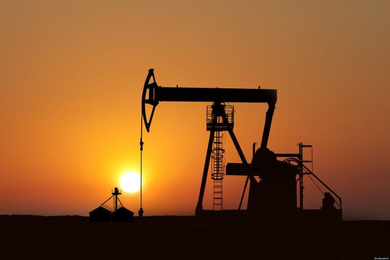 o-OIL-PRICE-GAP-CANADA-facebook